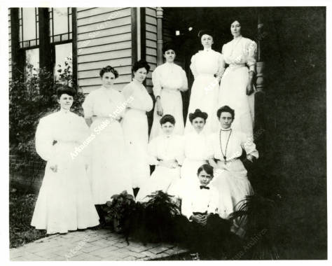 Nurses_at_St_Vincents_Infirmary_in_Little_Rock